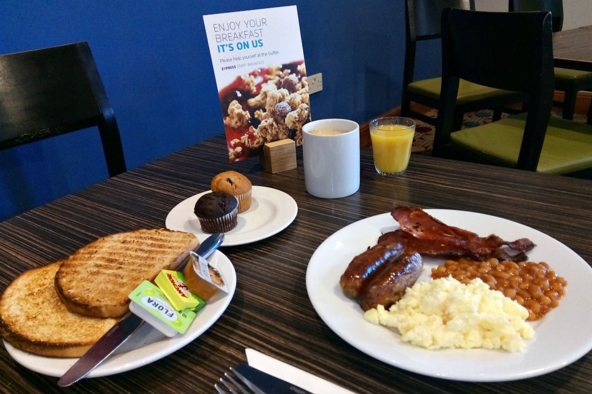 Holiday Inn Express Breakfast